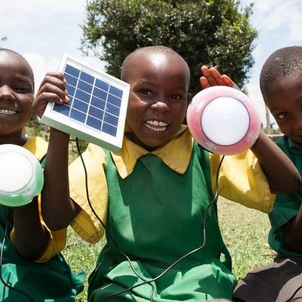 高级腕表品牌Piaget伯爵携手SolarAid抗击贫困和气候变化