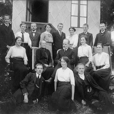 Georges-Edouard Piaget与PIAGET伯爵传奇