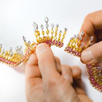珍贵宝石与钻石项链