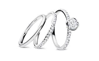 订婚钻戒和结婚戒指